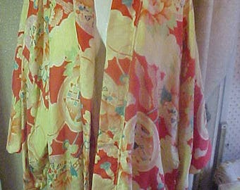 Vintage Print Silk?? Kimona, Bold reds, yellow and white lining,   M/L  #2175