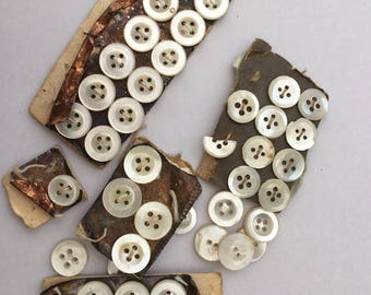 Vintage MOP Buttons, 34 Vintage Mother of Pearl Buttons, Original Vintage Card, Vintage Haberdashery, Vintage Sewing