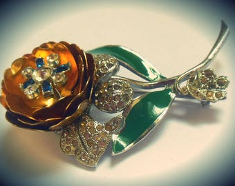 Vintage 1940's designer CORO TREMBLER Quivering Camellias enameled rhinestone brooch pin ~ gold flower with stamen on a spring