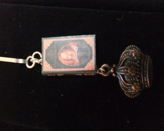Shakespeare Book Zipper Pull - Great Gift for Book Lovers!
