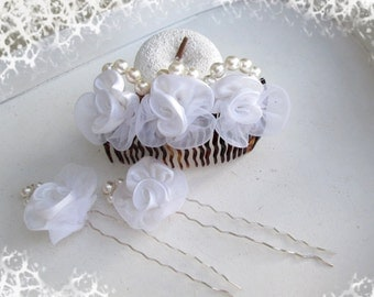 Hair comb and hairpins to the white roses wedding, Bridal Hair Comb Needles Connector white roses Wedding Jewelry