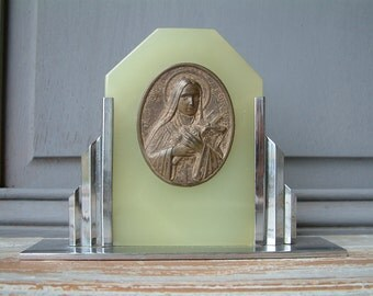 French art deco image of Saint Theresa. Pale green onyx. Religious. Saints. St. Therese of Lisieux. Jeanne d'Arc living. Nordic shabby chic