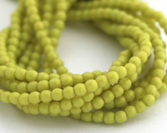 NEW Pacifica Honeydew Green 2mm Smooth Round Czech Glass  Beads 100pc #883