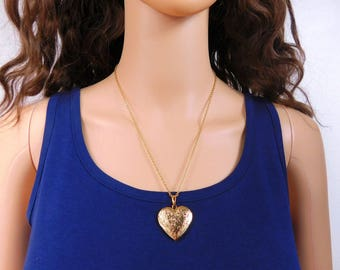 Gold Locket Heart 21 Inch Necklace Picture Double Sided Locket Gold Necklace Keepsake Bridesmaid Gift for Girlfriends Heart Jewelry