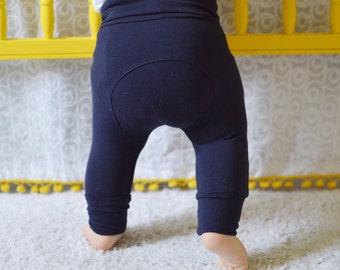 """Pantalons évolutifs """"Juste Marine"""" - """"Just Navy"""" Grow With Me Pants - Maxaloones - Bum Circle Pants - Cloth Diaper Pants - Baby Pants"""