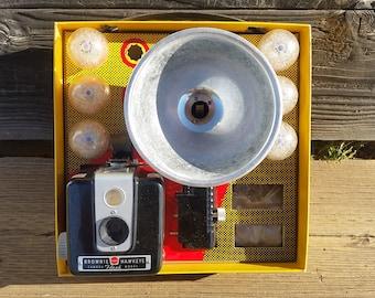 Kodak Brownie Hawkeye Flash Camera Outfit