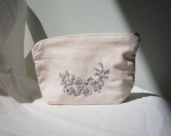 Handmade Embroidery Pouch - Cosmetic Pouch - Zipper Pouch - Pencil Case - Small Pouch - Handmade linen bag