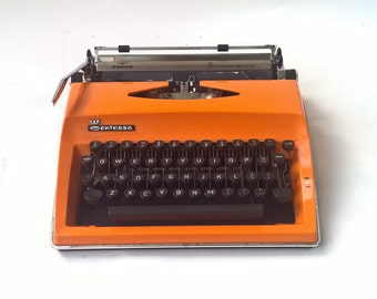 Vintage manual portable Contessa de Luxe, Adler typewriter  Mid-Century working