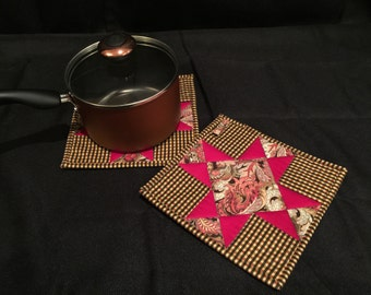 Pieced Quilted, Insulated Pot Holder Set