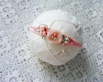 Peach newborn headband, Photography prop, Newborn halo, Flower headband, Baby headband, Newborn photo prop, Newborn tieback