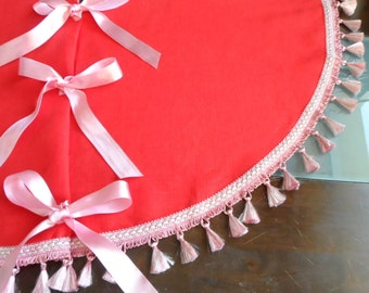 Tree Skirt. Red Christmas Decoration. Pink Pom Pom. Winter Holiday Decoration. Tree Skirt Shabby Chic Style