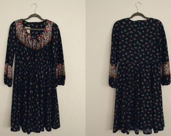 Jo-A-Lyn Floral Dress (Medium). Jo-A-Lyn Dress. Floral Dress. Vintage Dress. Hippie Dress.