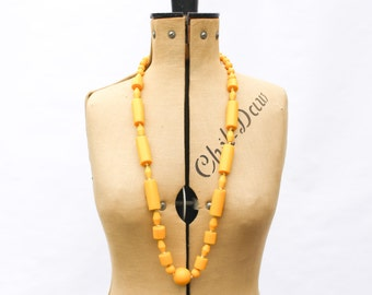 1960s Necklace • Mustard Yellow Chunky Geometric Bead Necklace • 60s Jewelry • Vintage Necklace • Long Beaded Necklace • Mod Lucite Necklace