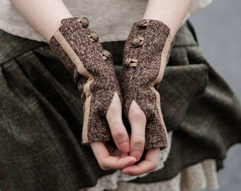 Wristwarmers, Fingerless gloves, Woodland wristwarmers, Rustic, Gloves, Brass button Detail, Fairy Gloves, Mori Kei, Steampunk Wristwarmers.