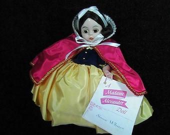 Vintage Madame Alexander 1975 Snow White Doll, Disney Crest, Rare Snow White, Porcelain Doll, Collectible Doll