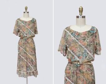 1970s Dirty Blonde Dress { S } Vintage 70s Sheer Floral Lace Dress