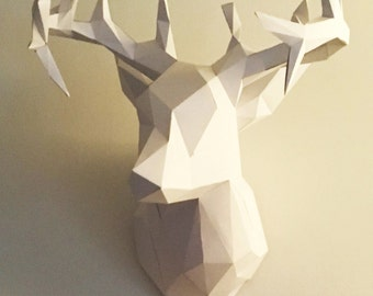 Paper deer head construction kit. Pre-cut and pre-scored so all you need to do is bend and glue!!