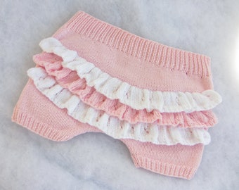 Hand knit pure cotton ruffled baby bloomers. Size 3-6 months.