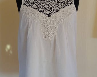 Vintage White Cotton Short Sleeve Embroidered Everyday Summer Festival Top Blouse Medium/Large Size