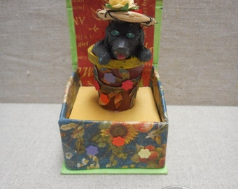 Miniature box - dog with straw hat and sunglasses