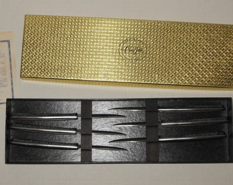 Vintage Steak Knives Knife Set Carvel Hall 6 Piece Mint in Box Stainless made in USA 8 Inch