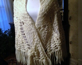Vintage Shawl, Vintage Crochet Shawl, Shawl, Crochet Shawl, Cream Shawl, Off-White Shawl, Long Shawl, Vintage Cream Shawl, Handmade Shawl
