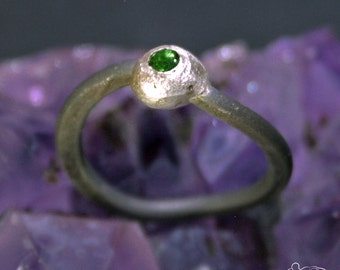 Anodized titanium and sterling silver ring with tsavorite