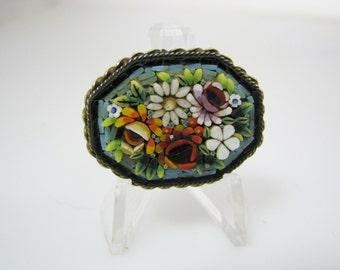 Beautiful Vintage Raised Flower Micro Mosaic Brooch