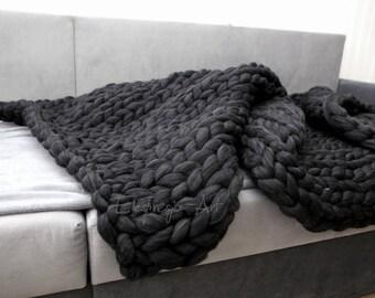 BIG chunky Wool knit blanket 100x200cm , black melange, arm knitting, home prop