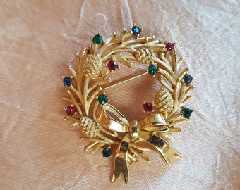 Vintage Crown Trifari Signed Rhinestone Christmas Wreath Brooch