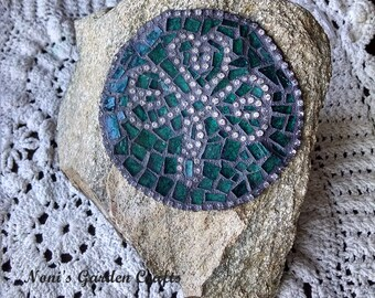Mosaic Stained Glass Garden Rock Stone Jeweled Celtic Shamrock Irish Paperweight  OOAK Valentine's Teacher's St. Patrick's Mother's Day