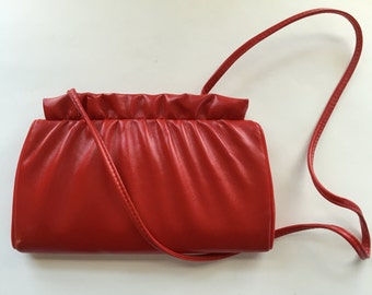Small Vintage Red Faux Leather Purse