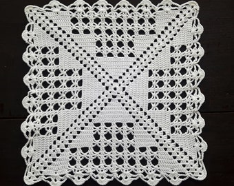 Vintage crochet cream white square doily