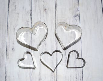 Vintage Heart Cookie Cutter Set, Five 5 Heart Shaped Cookie Cutters, Farmhouse Decor Nice Aged Patina Great Condition Set of 5 Silver Hearts