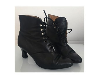 1980's Black leather  Lace Up  Ankle Boots || 1980s pixie boots// size eu 38-uk 5- us 6.5