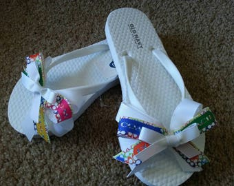 Girls White Flip Flops, Name Brand Sandals, Coach Ribbon Bow, Size 12/13.