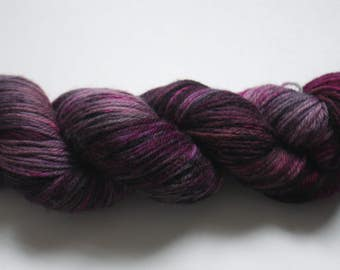 DK - 100% British Bluefaced Leicester (superwash) yarn - Basket of Plums