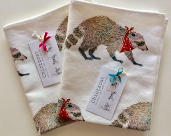 "Tea towel, cotton-linen mix with animal design of ""Bandit the Racoon"""
