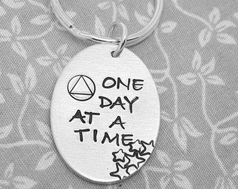 Soberiety Keyring - One Day At A Time Keyring - AA, Sober, Courage, Strength, inspirational quote, keepsake, keychain, jewelry, jewellery