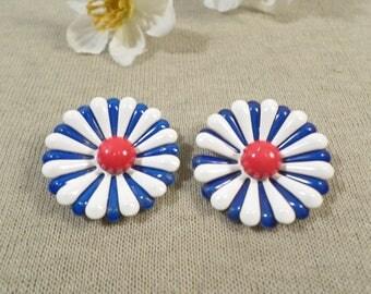 Beautiful Vintage Silver Tone Pair Of Patriotic Enamel Flower Clip On Earrings  DL#2308