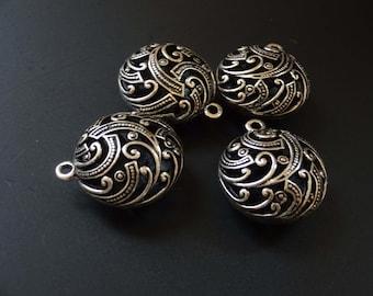 Designed Saucer Pendant, Antique Silver Color, Beautiful Saucer Focal, Flat Round Pendant, Metal Pendant, Flat Metal Pendant, Circle Pendant