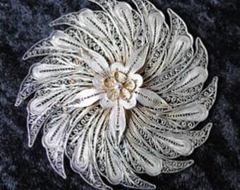 1930s Indian Silver Floral Design Filigree Brooch