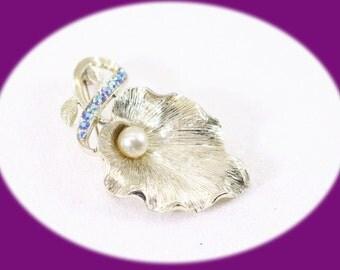 Vintage Brooch Pearl An Rhinestone Brooch Goldtone Brooch Faux Pearl Brooch Vintage Jewelry