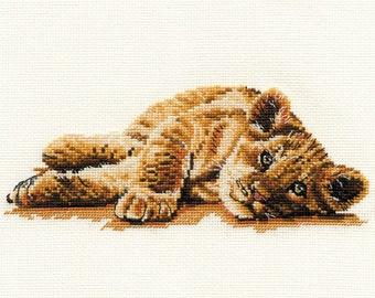 DMC BK908 Mischief - Lion Cub Cross Stitch Kit