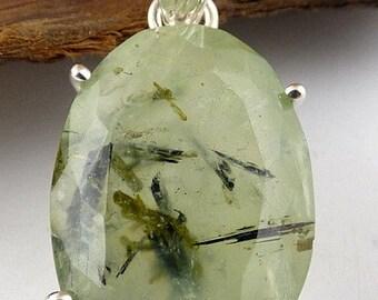 PREHNITE PENDANT, FACETTEE, prehnite, natural stone pendant jewelry, jewelry in natural stone, natural stone, JA20.1
