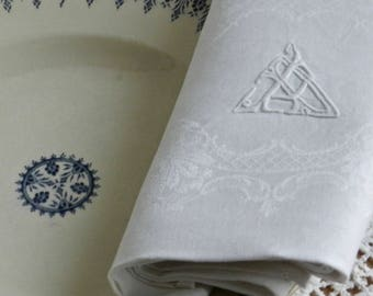 """Serviettes de table anciennes en coton damassé avec monogramme brodé """"P"""""""