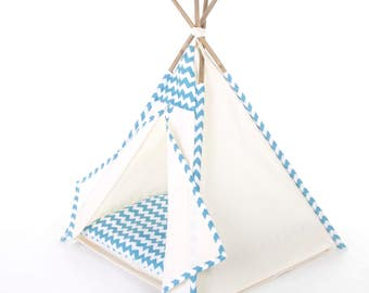 Pet teepee // Teal chevron