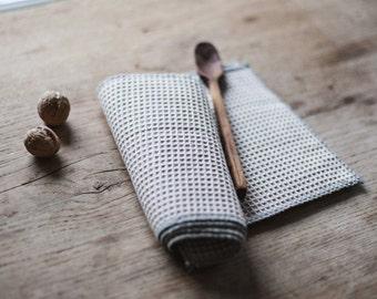 Linen Waffle Dish Cloths / Kitchen Cloths / Set of 4 / Reusable Cloths / Unpaper Towels / Paperless towels