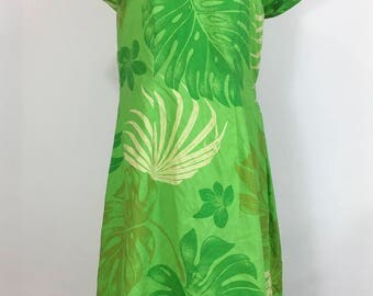 Vintage Green Floral Hawaiian Dress Tropical Dress Wiggle Sweetheart Neckline 1960s Hawaiian Dress