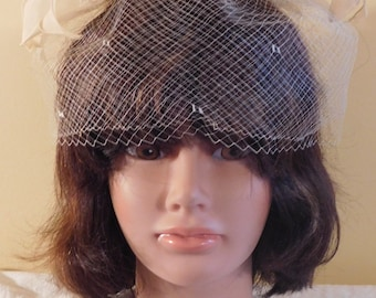 Vintage Mini Hat Net Fascinator with Calla Lily Silk Flowers Evelyn Varon Exclusive